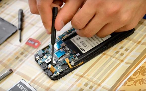 Samsung phone motherboard repair